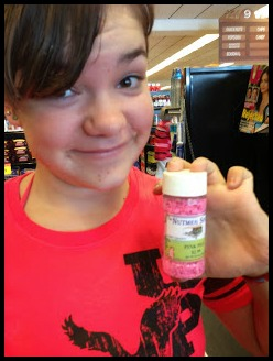 ... by finding pig-shaped sprinkles at Leuken's!